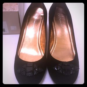 BCBG shoes in box